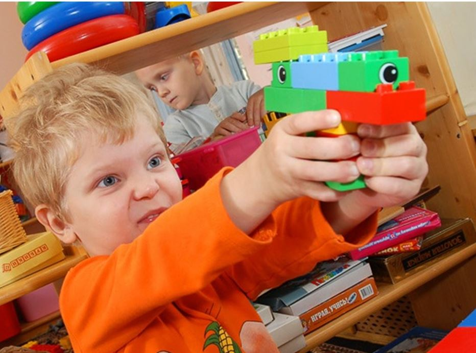 Игрушки для мальчиков: роботы, машинки, трансформеры